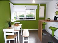 Double room, Central location in a house with fantastic decor suits working professionals! MUST SEE!