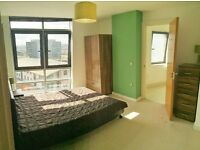 NO APPLICATION FEES* Stunning 2 bedroom 2 Bathroom apartment in Leeds city centre. Amazing views!