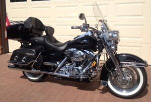 Harley: Tour, Cruise c/w Covered Trailer & everything for riding