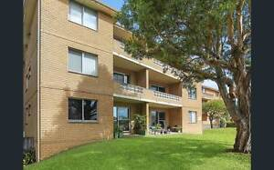 Room at Collaroy beach - seconds from the beach! Collaroy Manly Area Preview
