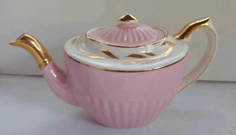 Vintage, George Gibson England.  Pink And Gold Teapot No W602 Excelent!