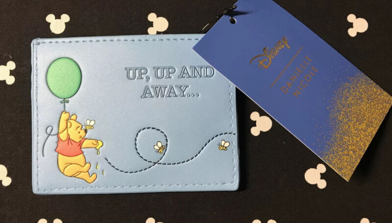 NEW WITH TAGS! Danielle Nicole Disney Winnie The Pooh Cardholder!