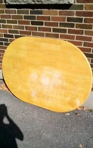 Solid pine diningroom oval table top.. Just the top, no base