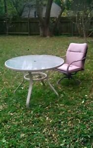 Patio table.... only $10... moving & must go ASAP
