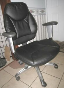 Almost new Black Leather Executive High back Task Computer Chair
