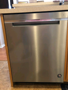 Stainless Steel Built-in Whirlpool Dishwasher $225.00
