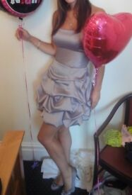 Ladies stunning ruffle dress ladies size 10 strapless
