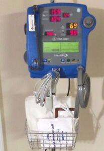 GE Dinamap Pro 400V2 Vital Signs Monitor NIBP SpO2 Temp Printer IV Rolling Stand