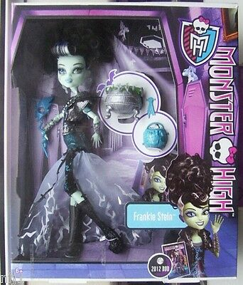 MONSTER HIGH DOLLS - Frankie Stein in Scary Cool Movie Costume (Ship - Cool Monster Costumes