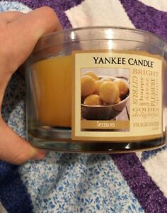 New Yankee Candle In Lemon Scent