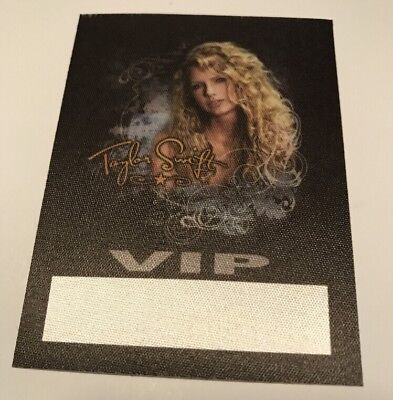Taylor Swift 2009 Vip Backstage Pass  In Mint Condition L@@k!!!!