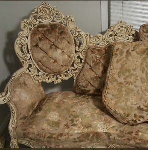 Baroque Ornate Vintage Victorian style couch