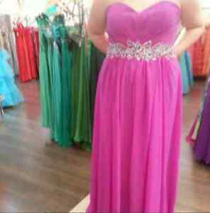 Selling my prom dress
