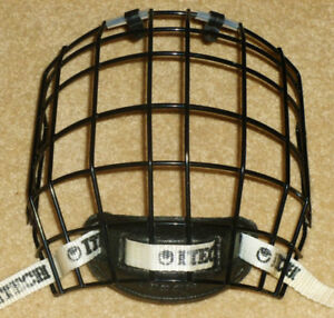 ITECH - Z262.2 M90 TYPE 1 RBE III Senior Hockey Cage (1)