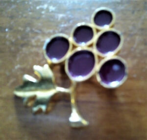 Brooches and Pins - Vintage