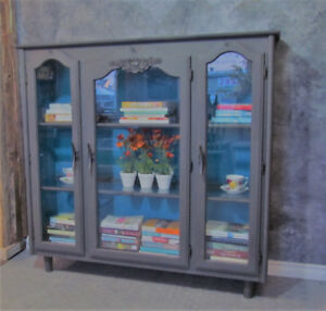 Refinished Hutch/Bookcase/Display Cabinet