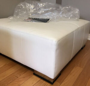 LARGE HEAVY LEATHER OTTOMAN  WHITE MADE IN ITALY$350 RETAIL$999.