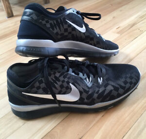 NEW NIKE Free 5.0 TR Fit 5 Women SIZE 7.5