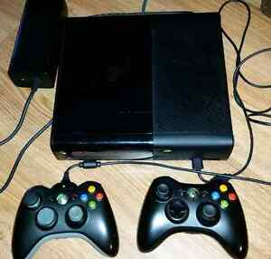 XBOX 360 500gb with 2 controllers and 7 games