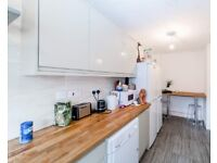 NEW***STUNNING SINGLE ROOM IN LONDON FIELDS *** AVAILABLE NOW**