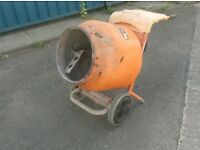 BELLE MINIMIX ELECTRIC OR PETROL CEMENT MIXER HIRE