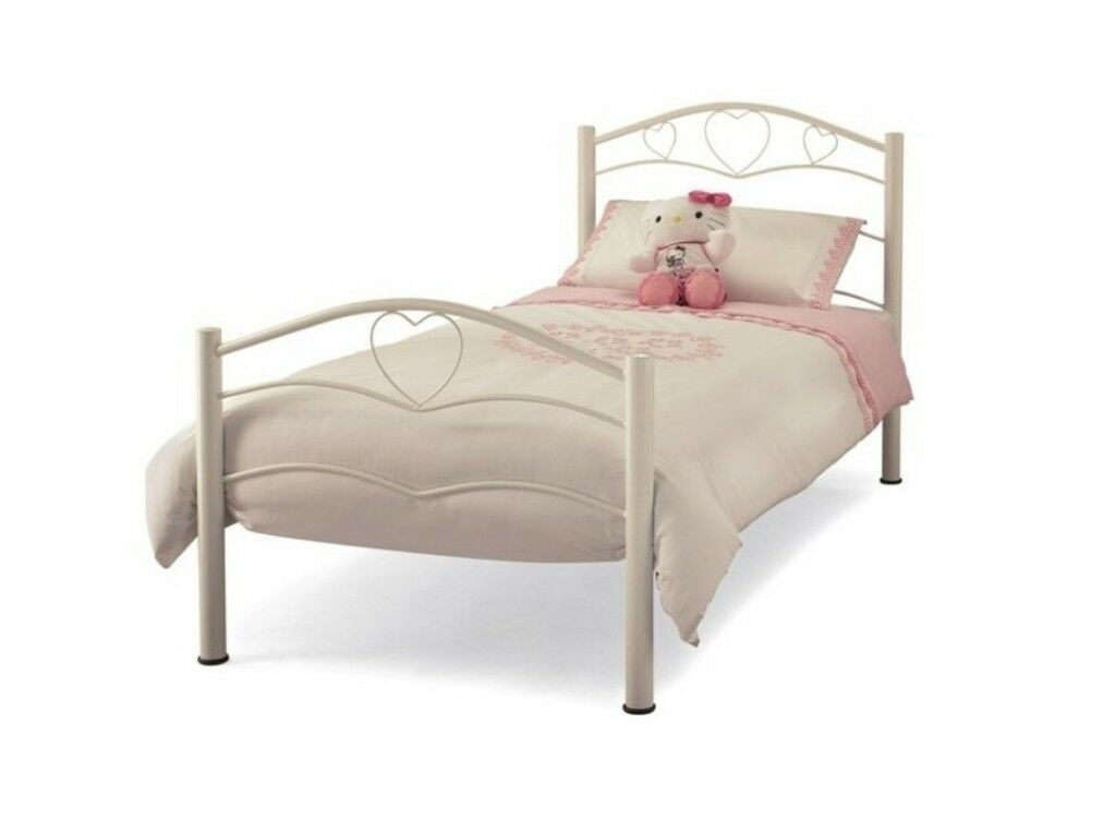 White Love Heart Bedroom Furniture - Bedroom Design Ideas