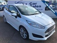 FORD FIESTA 1.0 ZETEC S 3d 124 BHP A GREAT EXAMPLE INSIDE AND OUT (white) 2014