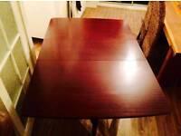 Drop leaf dinning table