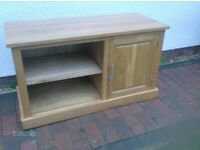 OAK TV STAND CUPBOARD COLLECT IN WELLINGTON SOMERSET OR POS. DEL