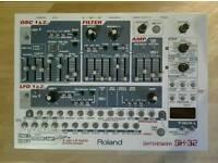 Rare Roland SH-32 V/A synthesizer