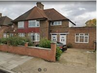 Impressive Two bedrooms first floor flat available to rent in East Acton W3