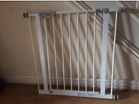 Hauck Baby Gate. No drilling needed
