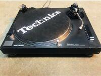 2xTechnics SL-1210MK2 turntable/pioneer CDJ2000 a Allen&heath xone92 mixer