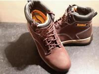 Mens size 9 Dewalt safety boots in brown, worn once. Cost £40 new