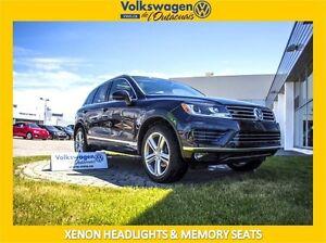 2016 Volkswagen Touareg R-Line ** XENON LIGHTS & MEMORY SEATS**
