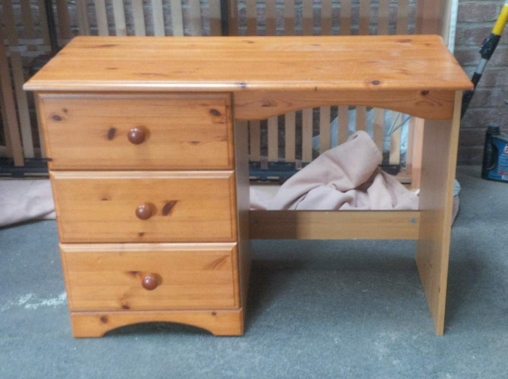 Pine dressng table/desk