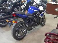 LOWERED! ONLY 2850 KMS!!! 2013 YAMAHA FZ6R! LOW MILES!