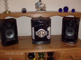 Panasonic CD Stereo system with twin speakers