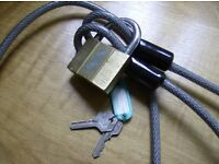 YALE SECURITY CHAIN PLASTIC COVERED FLEXIBLE WOVEN STEEL CABLE 2.3M long + YALE PADLOCK + 2 KEYS