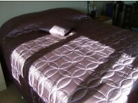 Quilted lightly padded Bedspread / Bed Throw-large.Plum coloured+2 matching square cushions.Ex.cond.