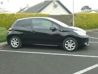 2014 Peugeot 208 1.4Hdi< loade with spec, Pan Roof, Finance available