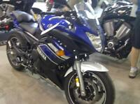 ONLY 2850 KMS!!! 2013 YAMAHA FZ6R! LOW MILES!