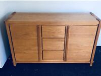 Oak sideboard in very good condition