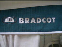 BRADCOT SPORT AWNING AS NEW
