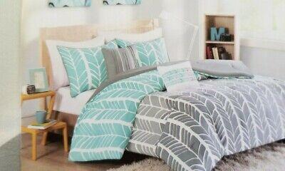 4 pc ID Intelligent Design Chervon Twin Comforter, Sham, & D