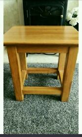 Small solid oak lamp side table