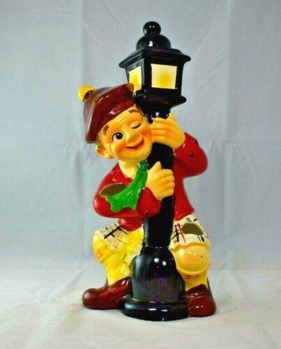 Drunk Scotsman Hugging Lamp Post Barware Caddy