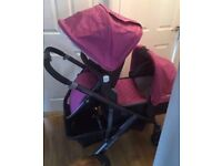 Uppababy vista 2015. Includes adapters to make double.