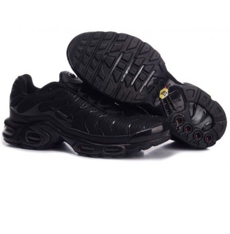 nike tns trainers black