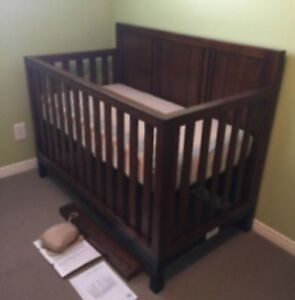 Canadian made strong crib 4in1 convertible into full double bed